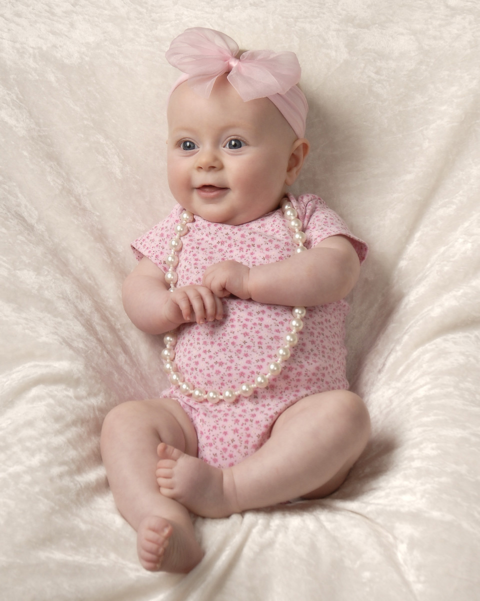 3 month baby photograph of girl sitting up cleary creative photography