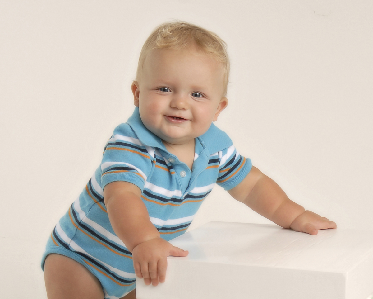 Baby photograph of 9 month boy
