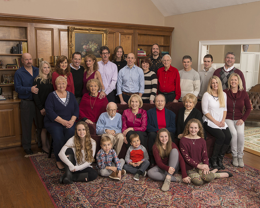 home family portrait in Kettering Ohio by Dan Cleary of Cleary Creative Photography