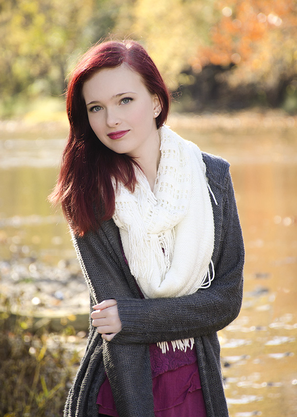 high school senior girl photographed by Great Miami river by Cleary Creative Photography in Dayton Ohio